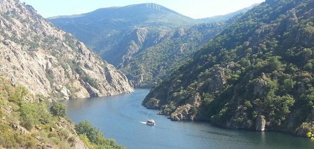 Ribera_Sacra_Lugo_Ruta_Catamaran