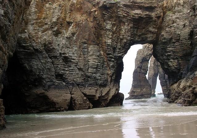praia-das-catedrais-forelatos-com